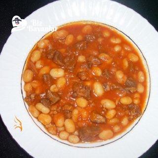 etli-kuru-fasulye-yemegi
