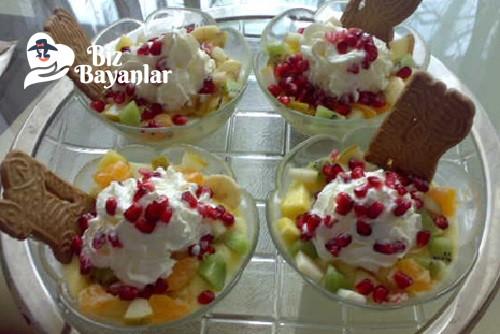 krem santili meyve salatasi