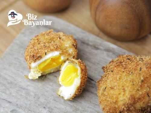 kizarmis pose yumurta